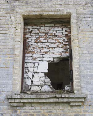 window-bricked-up